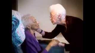 Наоми Файл и больная Альцгеймером (включаемые русские субтитры)