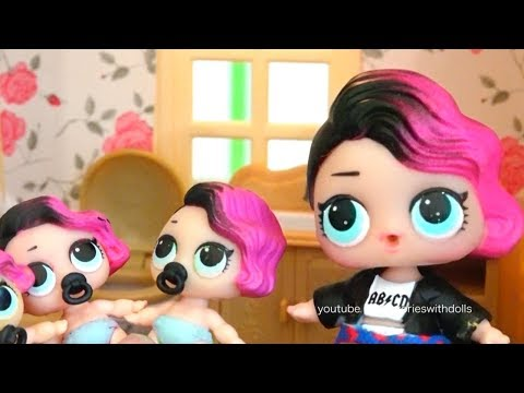 Rocker's Lil Sisters Get in Trouble ! Toys and Dolls Fun with LOL Surprise Babies and Color Popcorn