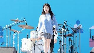 Gambar cover 180930 아이유(IU) - 너랑 나 (You & I) [삼성카드홀가분마켓] 4K 직캠 by 비몽