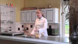 L' assemblage de la tarte au citron, par l'Ecole des Pros