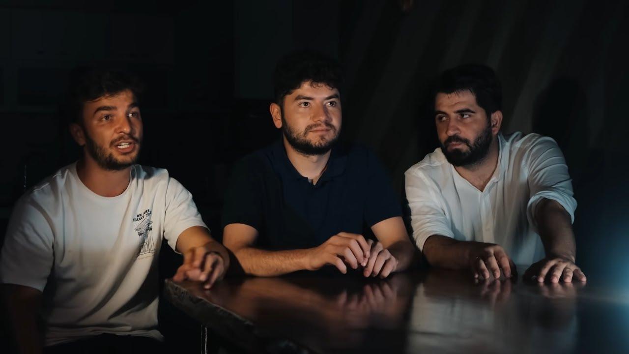 Download KLAVYE DELİKANLISI! / kafanızı s....