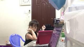 Cô giáo miền xuôi - Bé Hoàn Nghi