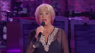 Tanya Tucker Performs