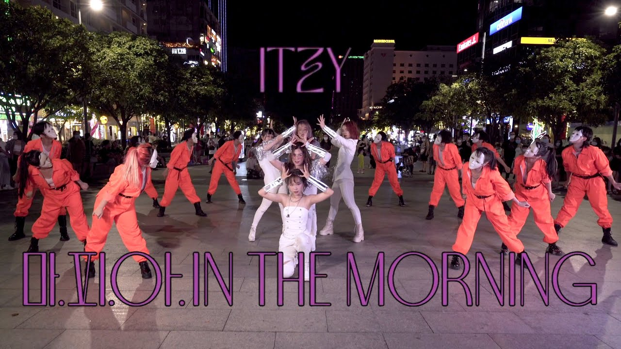 """[KPOP IN PUBLIC - 1TAKE] ITZY """"마.피.아. In the morning""""   Dance Cover   B.K.A.V"""
