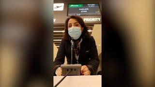 Ultimo giorno di Alitalia: il commovente saluto della hostess