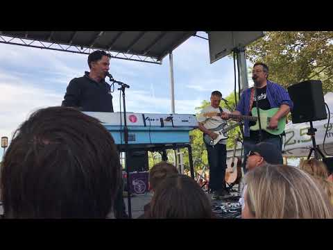 They Might Be Giants - Riverfront Music Festival 2017 - Glasses