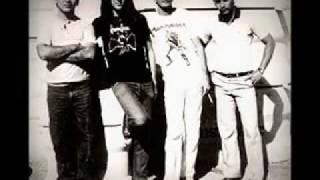 Gambar cover Banda Vênus (Vênus Band) - Elos de Nossa Utopia (Brazilian Heavy Metal Band - 80's Decade)