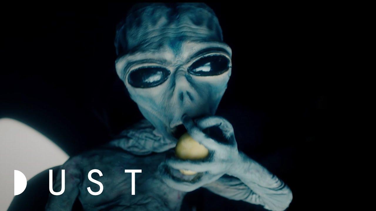 "Sci-Fi Short Film: ""Laura & Vineta""   DUST"