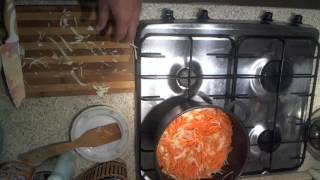 Тушенная капуста с сосисками