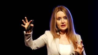 Modern İnsanın Anlam Arayışı | Betül Güleç | TEDxBursa