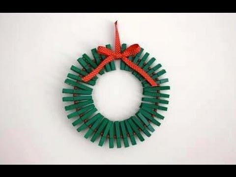 Como hacer una corona navide a con ganchos de ropas youtube for Como construir piletas de material