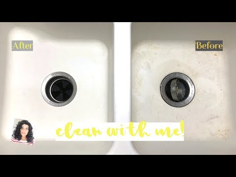 Clean With Me! | Kitchen | Cleaning an Enamel Sink | Plastic Containers