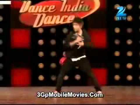 Raghav Juyal Crocroaxz in mega audition of Dance India Dance Season 3 HD mp4
