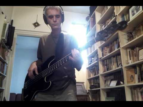 I Keep Forgettin' - David Bowie [Bass Cover]