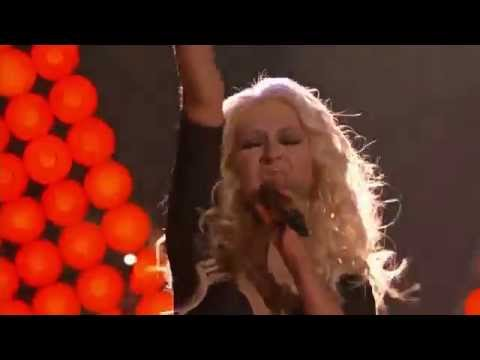 Christina Aguilera (Coaches Perfomance) - Pour Some Sugar On Me!
