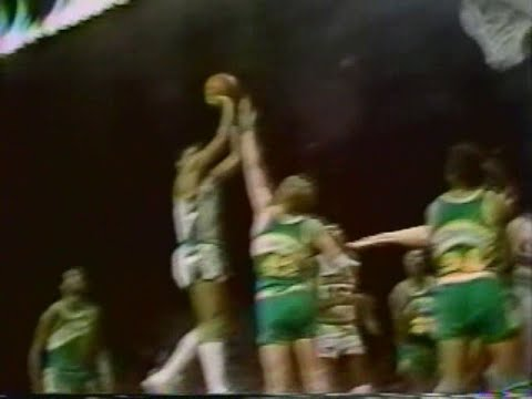 Marques Johnson (31pts) vs. Supersonics (1980 Playoffs)