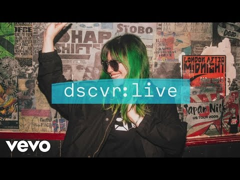 Phoebe Ryan - Dark Side (dscvr Live)