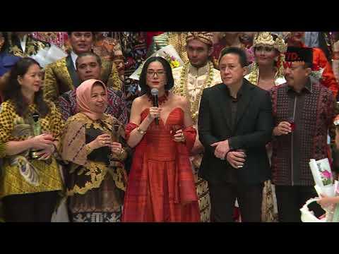 CLOSING CEREMONY -  INDONESIA FASHION WEEK 2018 - Day 5