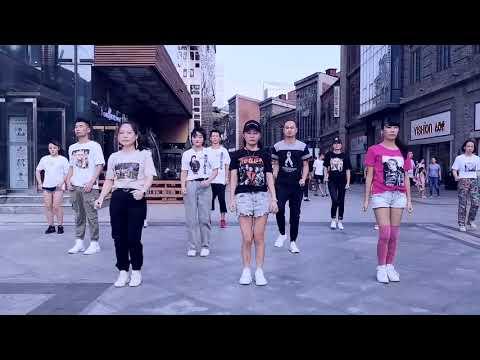 Nationwide Flashmobs In China Celebrate Michael Jackson's 61st Birthday