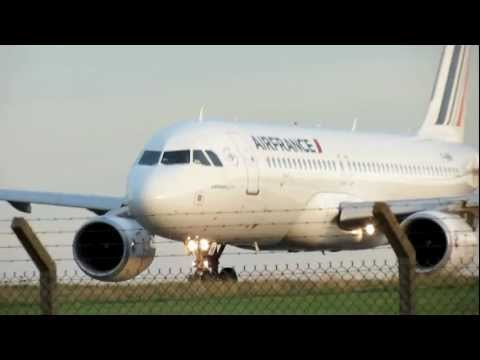 Biarritz Airport (LFBZ) Airbus A320 Air France décollage || Take Off