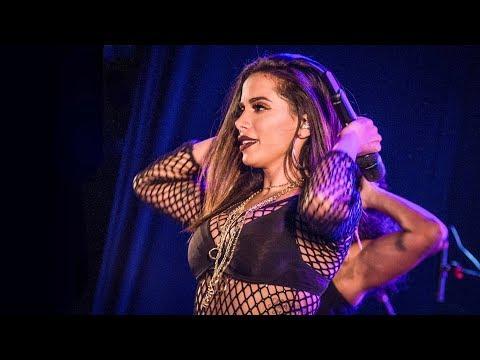 Anitta BANG em Brasília 02/11/2017 FESTA SENSUALIZE [CÂMERA PROFISSIONAL HD 4K]