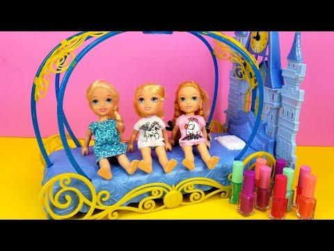 Sleepover at Cinderella ! Elsa & Anna toddlers - LOL surprise dolls - moj moj - coloring