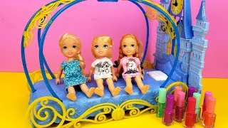 Sleepover at Cinderella ! Elsa & Anna toddlers - LOL surprise dolls - moj moj - coloring