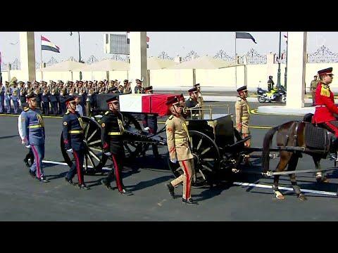 В Египте простились с бывшим президентом Хосни Мубараком.