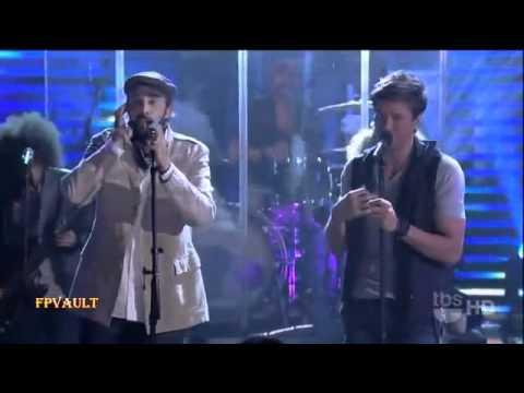 Enrique Iglesias Ft  Juan Luis Guerra   Cuando Me Enamoro Live On Lopez Tonight