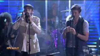 Enrique Iglesias Ft  Juan Luis Guerra   Cuando Me Enamoro Live On Lopez Tonight