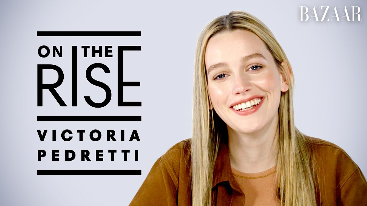 You Star Victoria Pedretti Reveals Her First Celebrity Crush And Talks Working With Penn Badgley Youtube