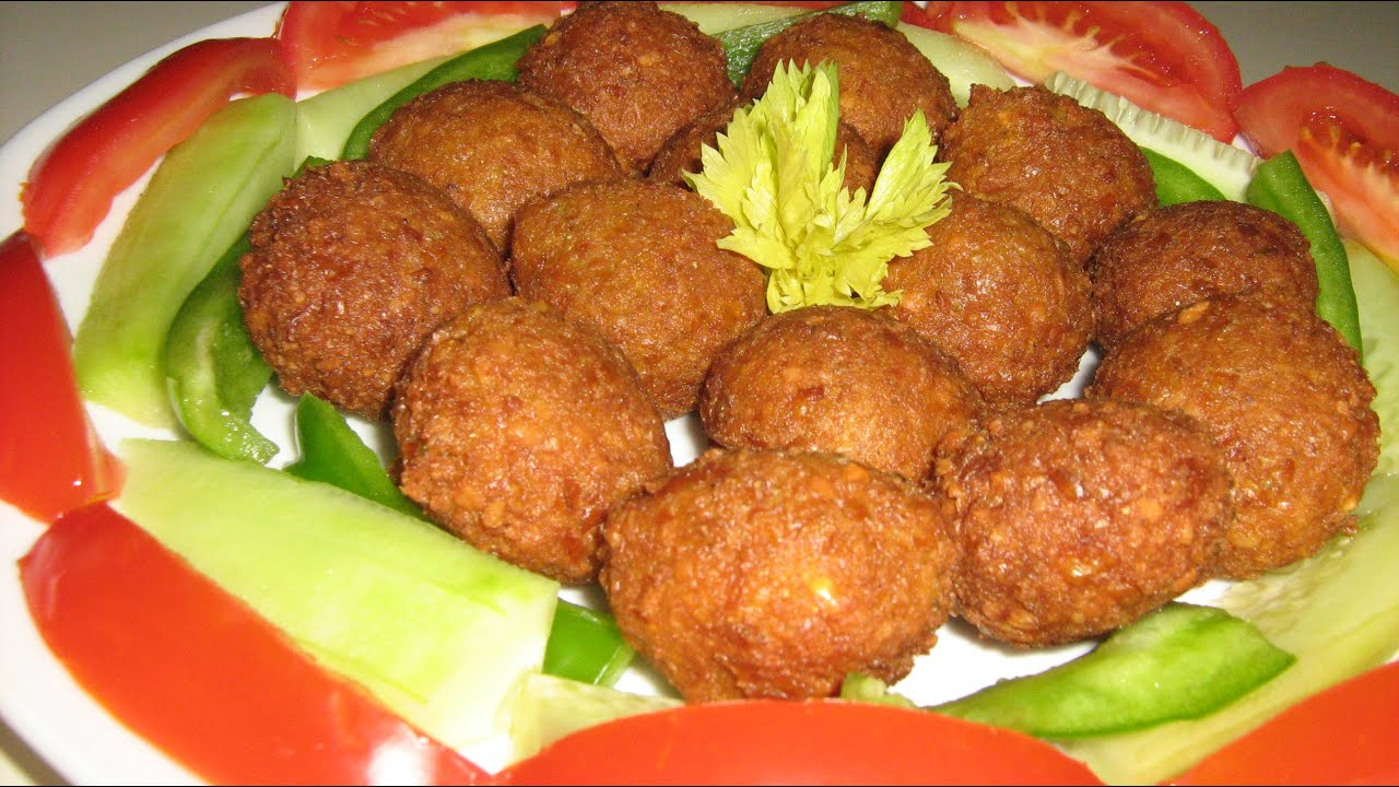 How to make Falafel at home from scratch طريقة عمل الفلافل ...