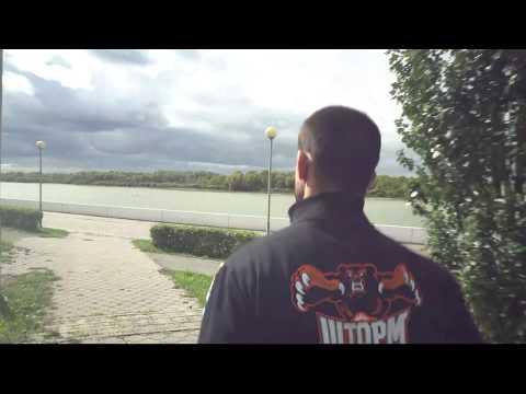 Андрей Корешков готовится к бою против Лоренца Ларкина