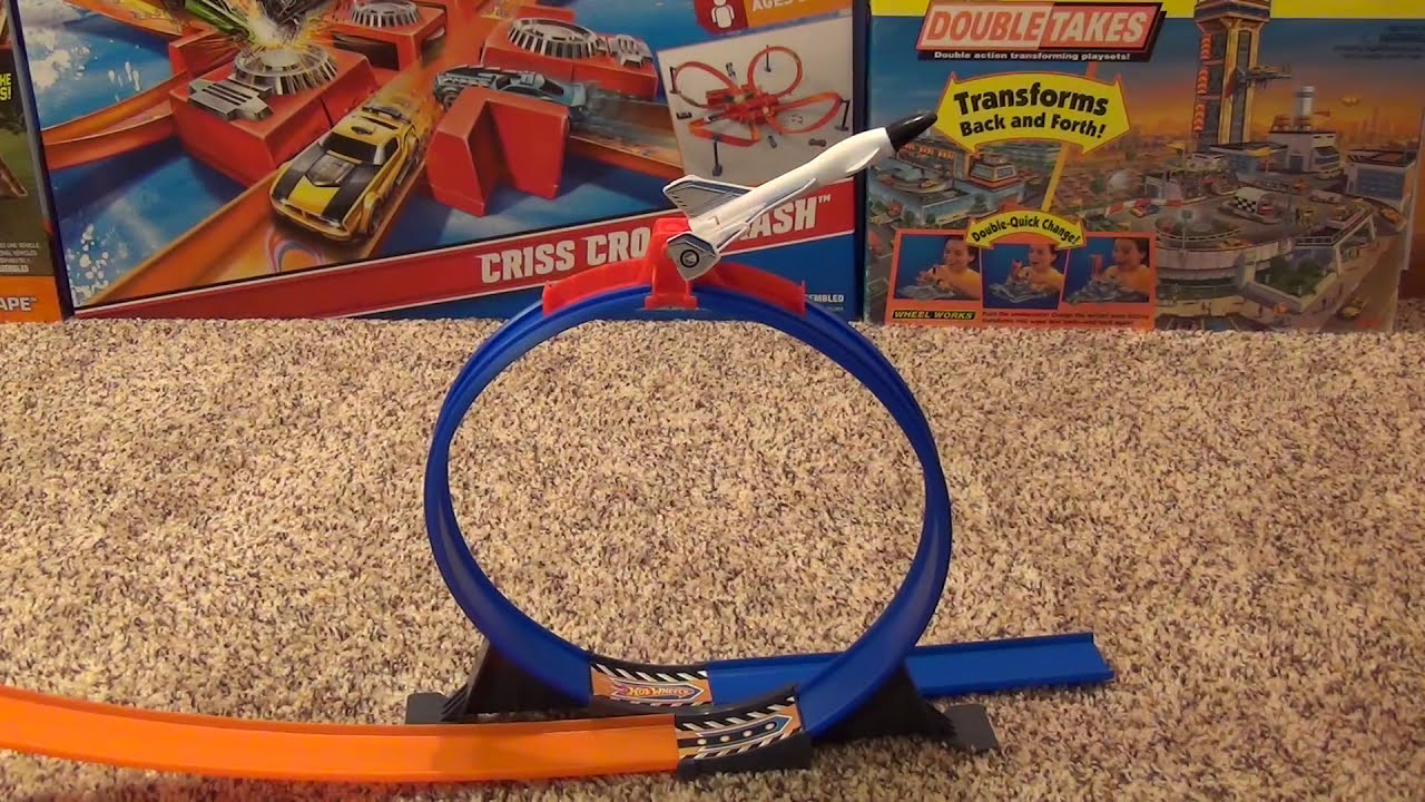 hot wheels loop and launch stunt track playset with real. Black Bedroom Furniture Sets. Home Design Ideas