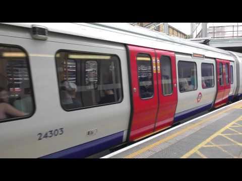 Hammersmith & City Line S7 Stock 21303 Departing Whitechapel