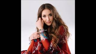 """Lauren Daigle explains that her CD """"Behold"""" is meant to cultivate relationships during the holidays."""
