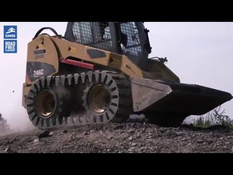 Skid Steer Loaders: tracked performance with Camso over-the-tire tracks (OTT)