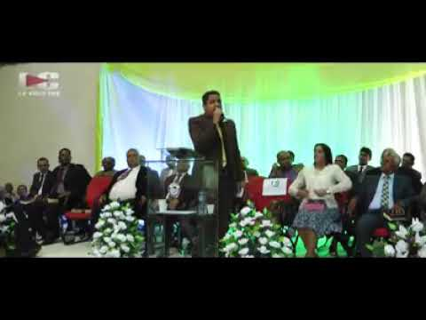 Pastor Emerson Oira palavra de renovo