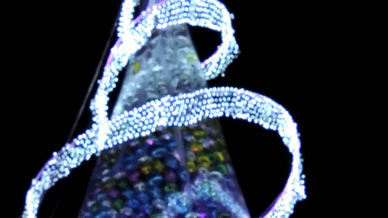 El arbol de navidad mas grande del mundo youtube for Arbol mas grande del mundo