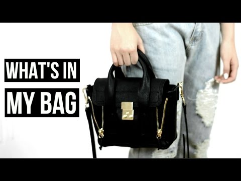 WHAT'S IN MY BAG // STOP MOTION thumbnail