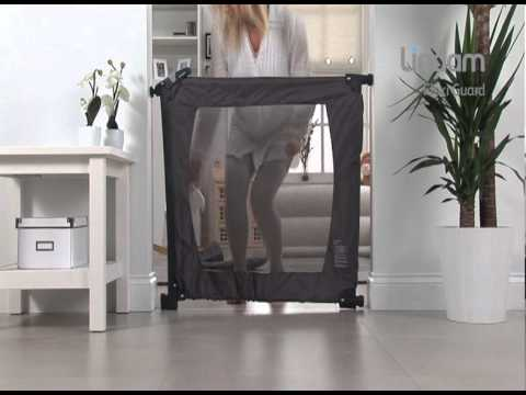barri re de s curit flexiguard de lindam youtube. Black Bedroom Furniture Sets. Home Design Ideas