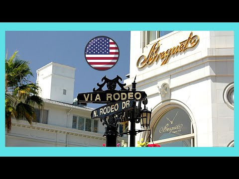 BEVERLY HILLS: RODEO DRIVE on a quiet Sunday morning (California, USA)