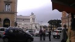 Rom: Der alltägliche Verkehrskollaps in Rom - an einem Sonntagvormittag!