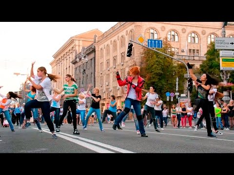 Flashmob Happy Birthday Michael Jackson, 21