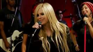 Avril Lavigne - Girlfriend [Live]