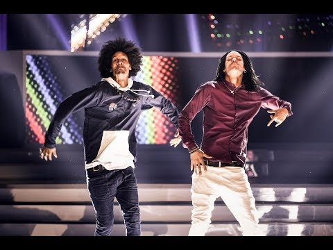 "Les Twins THEY DANCE ""What Happened"" in Premios Tu Mundo 2017 (full) performance"