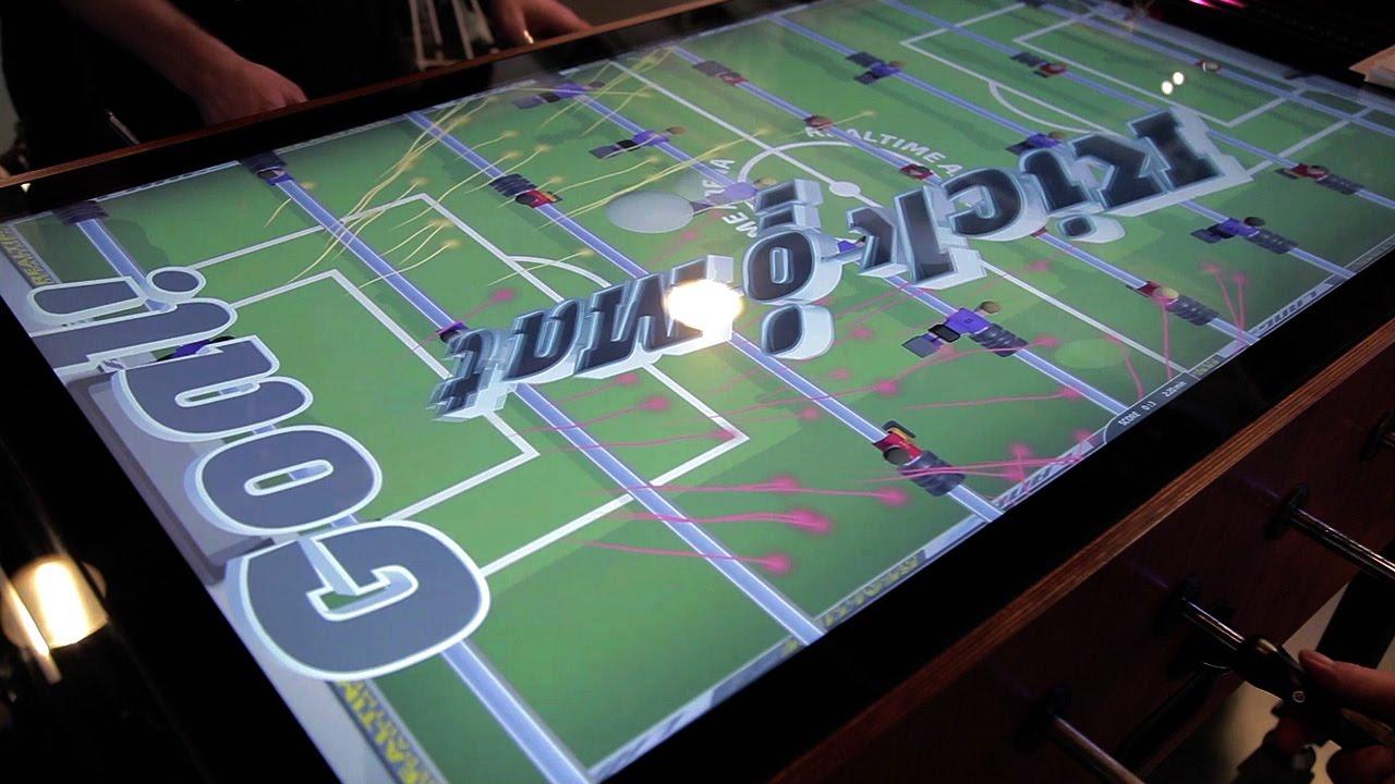 Deze interactieve voetbaltafel met 4k-display is een aanwinst voor elk kantoor