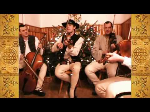 "Kolędy ""po góralsku"" / Polish Christmas Carols by ""Giewonty"" in Villa ""Orla"", Zakopane, Tatras"