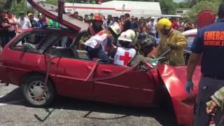 Trágico accidente en la López Portillo deja prensada a una persona thumbnail