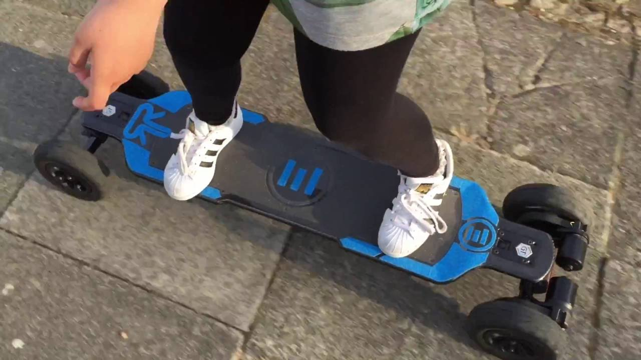 11 Year Old Shannon Trying And Modelling The Ruroc Ltd Edition Evolve Electric Skateboard Carbon Gt